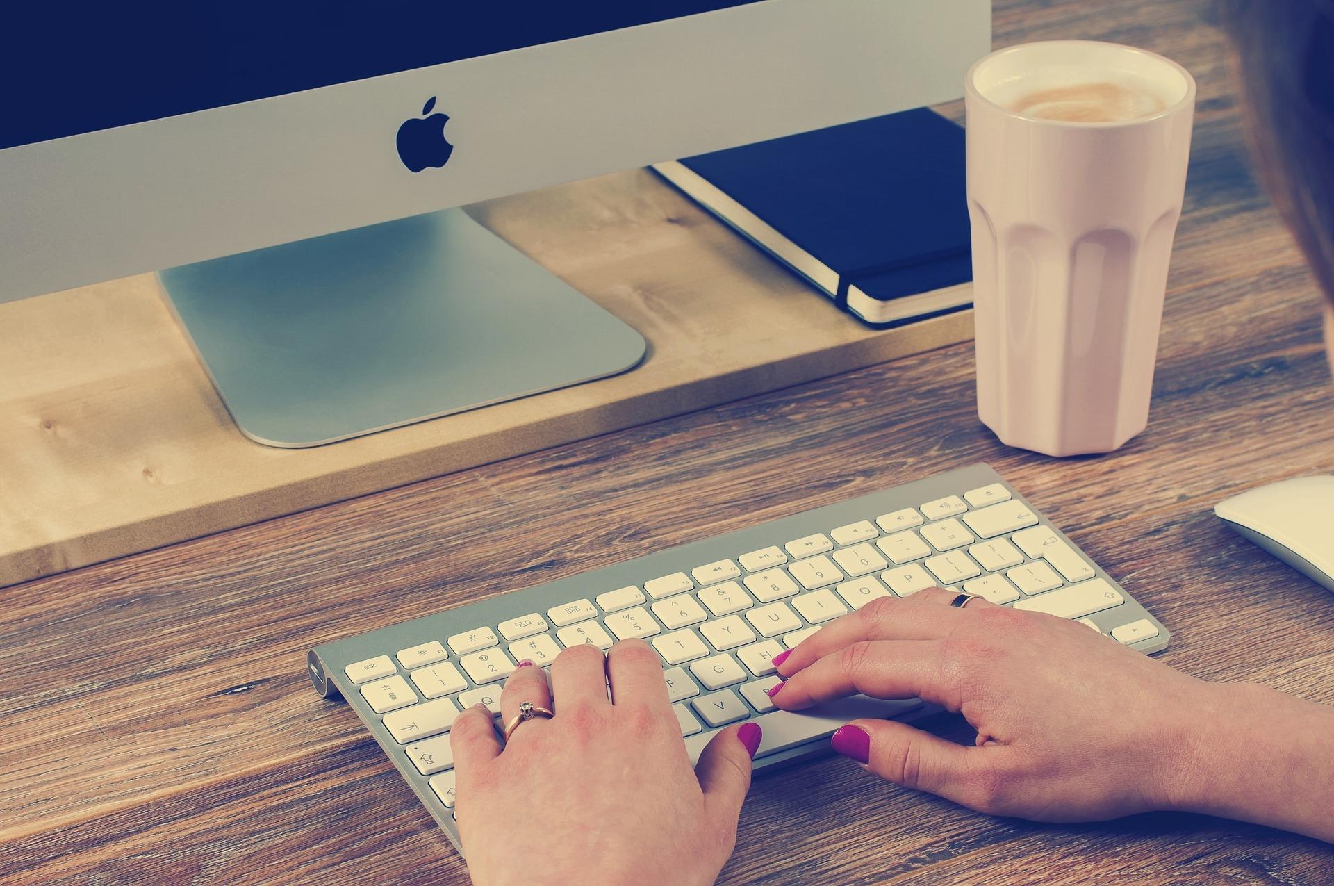 ブロガーにおすすめのパソコンってやっぱりMac! 特にノート型