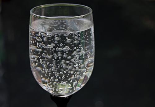 water-glass-2686973_1920.jpg