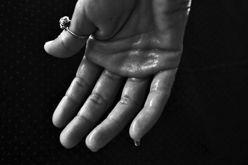 hand-1502242_1920.jpg