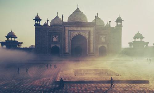 【バーフバリとか】 インドの映画を一度は見た方がいいかも?