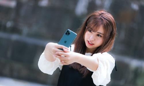 顔認証の速さはギャラクシーフィール2よりiphone11の方が早く、読み取りやすい