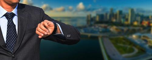 実際スマートウォッチ買うなら性能高い高級腕時計を買った方がお買い得?