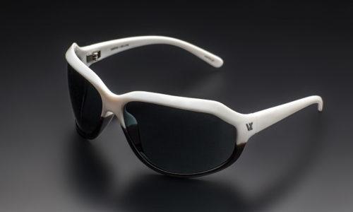 ガクト愛用のGACKT SUNGLASSES VX-i-17S インジェクションサングラスがカッコよくて意外と安い
