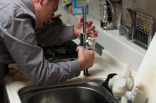 plumber-228010_640.jpg