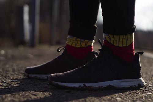 流行りが押し寄せているソックススニーカーは靴下を履かなくても良い?