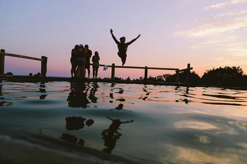競泳のスタート練習はただ飛び込むところから練習する