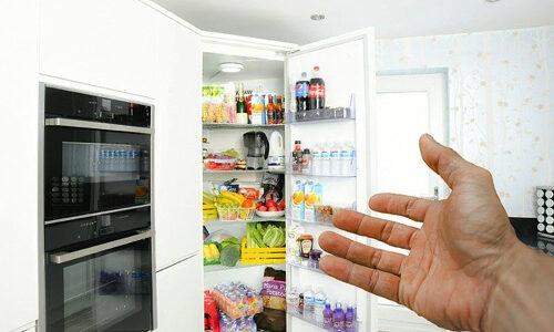 レッドブル以外のエナジードリンクの冷蔵庫まとめ